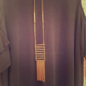 Jewelry - Long gold necklace